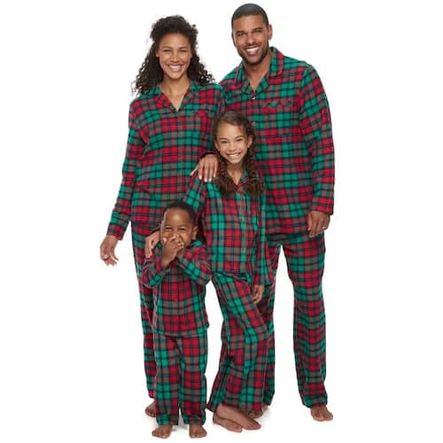 Red and green. Simple pajamas. There is something about the simplicity of these matching Christmas pajamas from Kohl's that I'm drawn to. (Besides the price!)