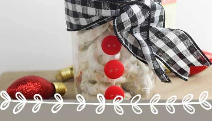 DIY Snowman Christmas Gift in a Mason Jar